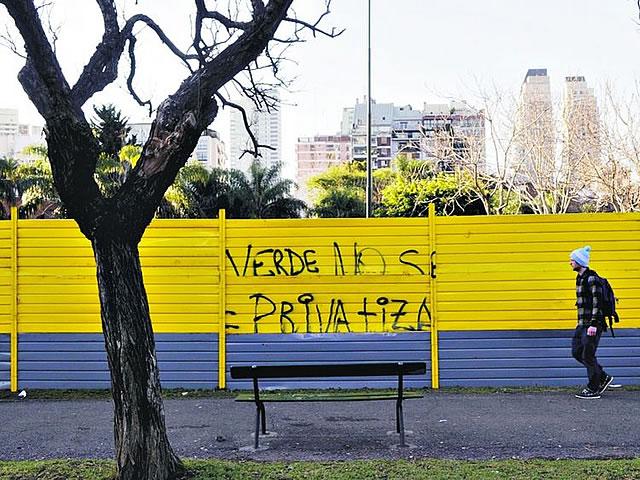 Los vecinos del parque quieren preservar el espacio verde.