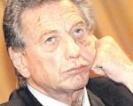El padre de Mauricio, será citado a declarar en la causa por espionaje.