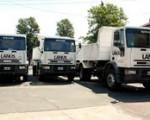 Los flamantes camiones en Lanús.