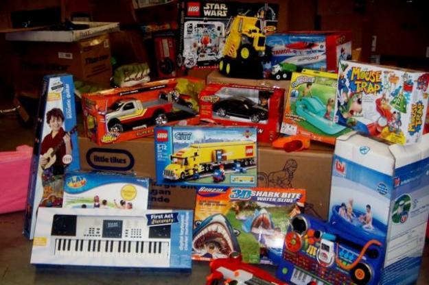 Juntan juguetes para ni os enfermos el mensajero diario - Juguetes nuevos para ninos ...