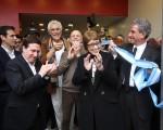 La flamante Ministra de Cultura, cortó la cinta para inaugura el Centro Cultural Leonardo Favio