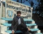 Rodolfo De Vincenzi, presidente del club de Villa Lynch y rector de la Universidad Abierta Interamericana.