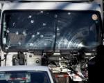 Un hombre armado al volante de un camión atropelló a una multitud que celebraba el jueves el día de la Bastilla en la ciudad francesa de Niza, matando al menos a 84 personas y dejando decenas de heridos en lo que el presidente François Hollande llamó un acto terrorista. En la imagen, el camión pesado empleado para el atentando, en cuya luna frontal se ven impactos de bala, en Niza, el 15 de julio de 2016. REUTERS/Eric Gaillard