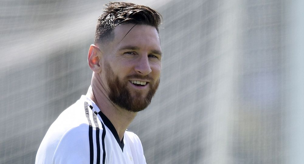 zzzzinte1Argentina's forward Lionel Messi takes part in a training session at the team's base camp in Bronnitsy, on June 29, 2018 on the eve of the team's round of sixteen football match as part of the Russia 2018 World Cup. / AFP PHOTO / JUAN MABROMATAzzzz